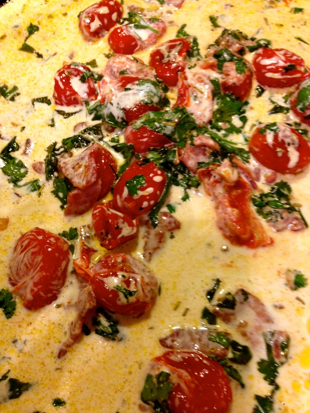 Coriandered tomatoes in cream